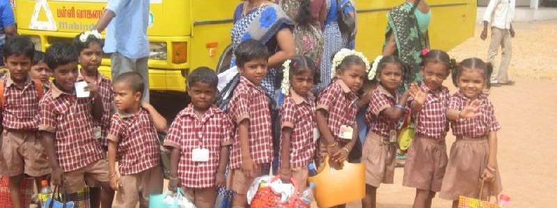 Sri Saraswathi Vidhyaalaya School Buses1