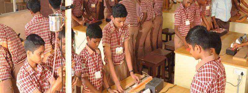 Sri Saraswathi Vidhyaalaya School Lab4